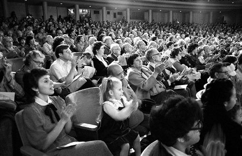 clapping-audience