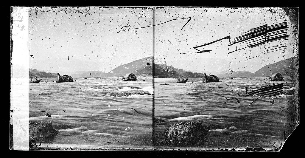 Hu_Ming_rapids,_River_Min,_China_by_John_Thomson_Wellcome_L0056329-2