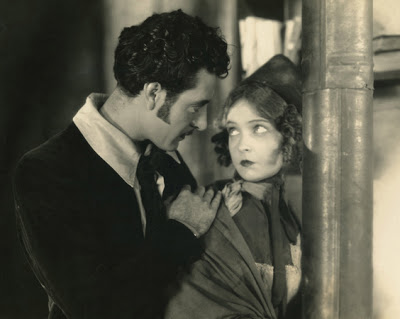 Lillian_Gish_and_John_Gilbert_-_La_Boheme_(1926)_2