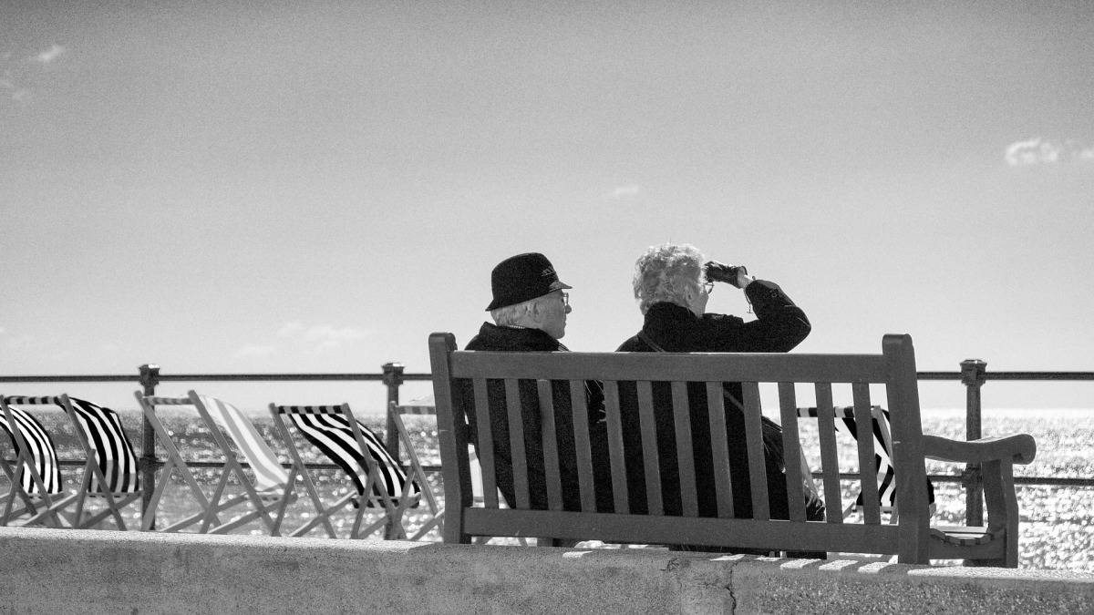 Senior Coast Beach View Bench Sea Couple People