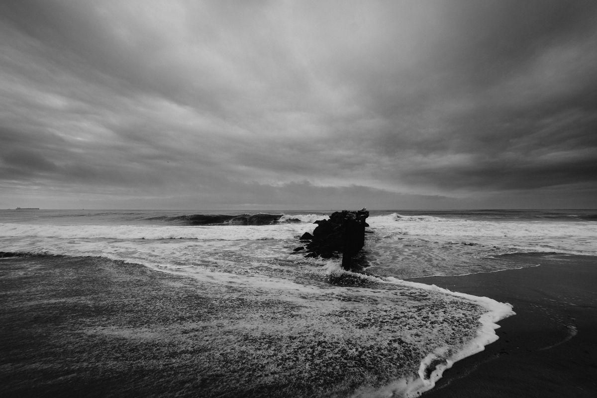 sea-black-and-white-weather-ocean