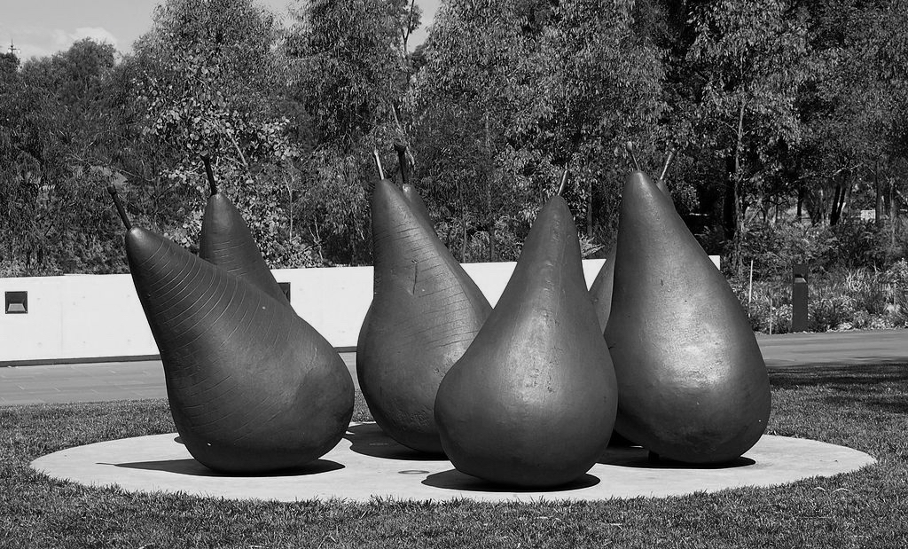 1024px-Pear_-_version_number_2_Oct_2012