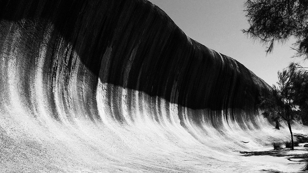 wave-rock-wa-b&w